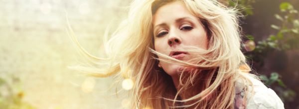 Ellie Goulding, your song, elton john, pub kfc